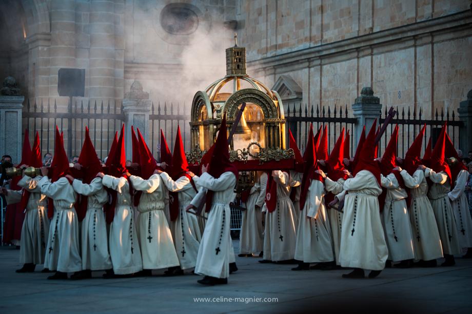 Celine Magnier Photographe reporter gap semaine sainte
